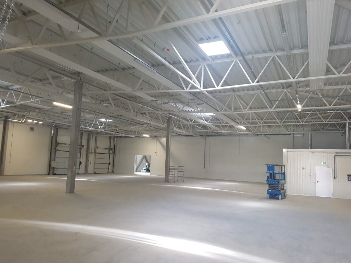 Warehouse with administrative premises